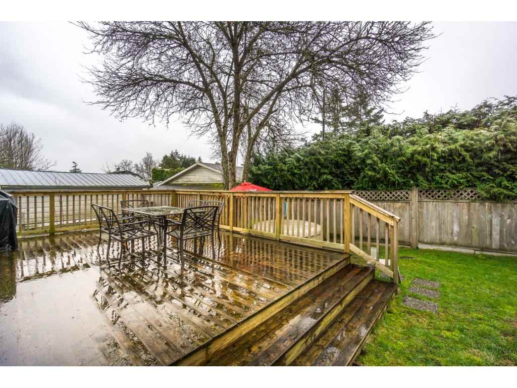 "Photo 17: 17346 60A Avenue in Surrey: Cloverdale BC House for sale in ""WEST CLOVERDALE"" (Cloverdale)  : MLS(r) # R2148162"