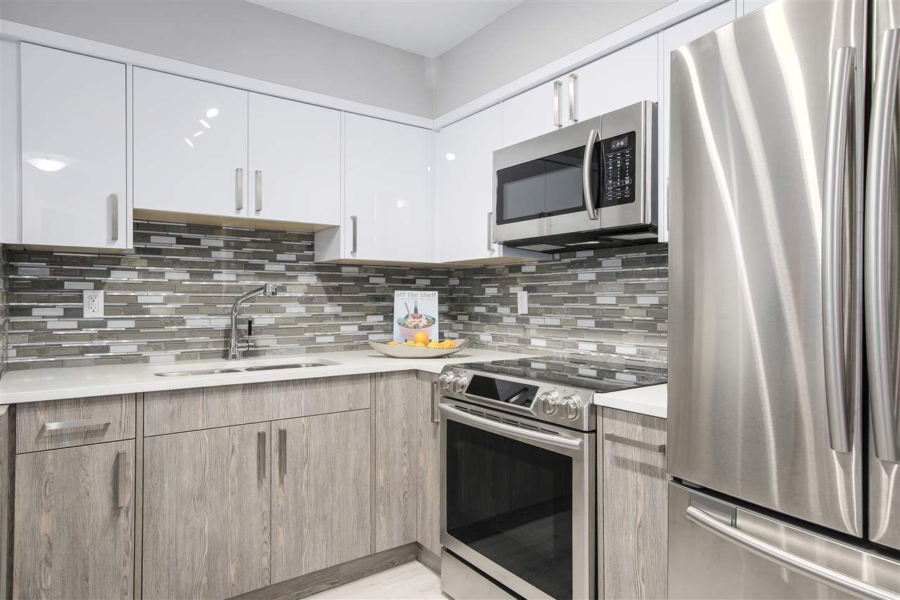 "Photo 5: 209 4868 FRASER Street in Vancouver: Fraser VE Condo for sale in ""FRASERVIEW TERRACE"" (Vancouver East)  : MLS(r) # R2149989"