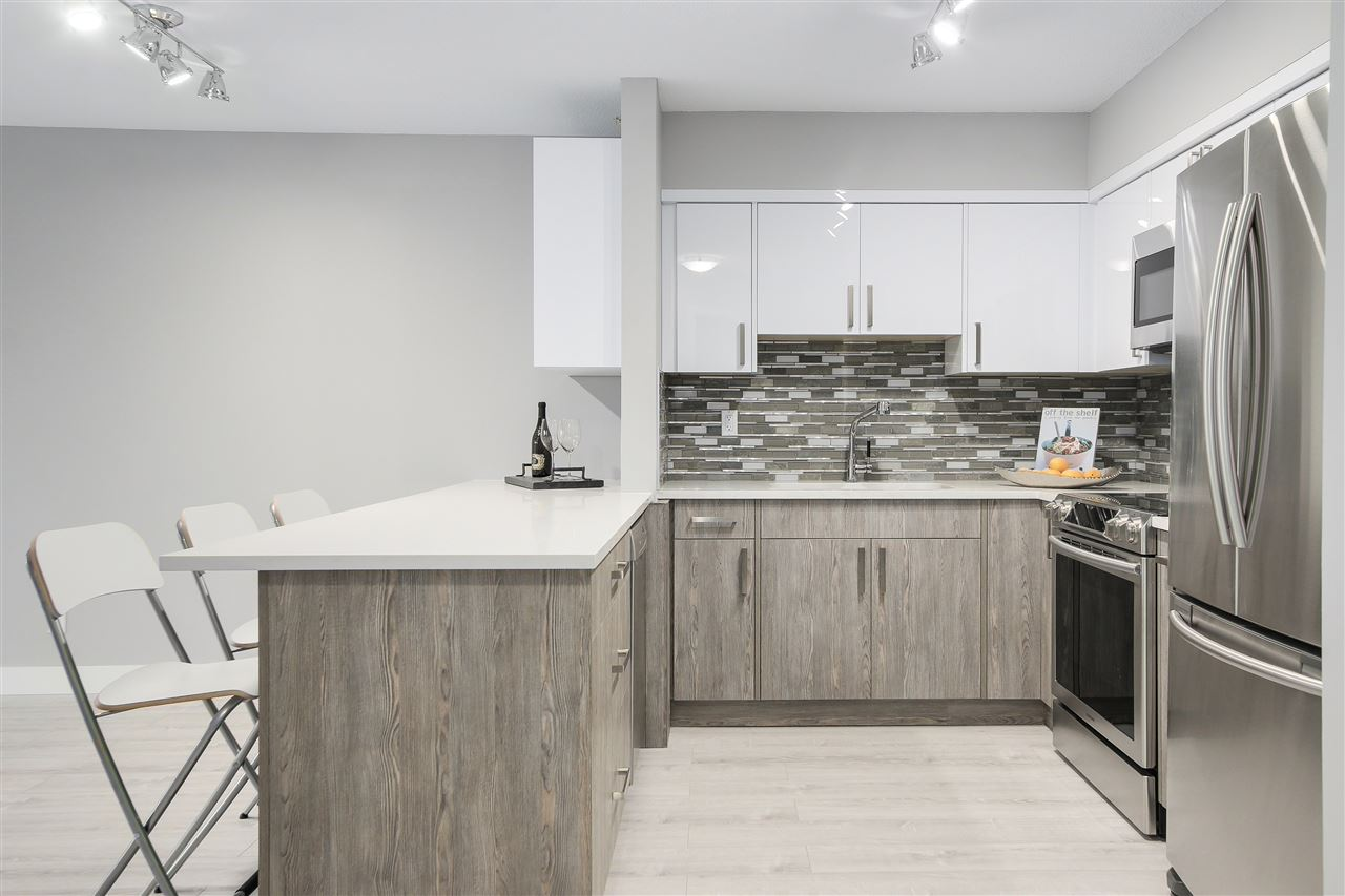 "Photo 4: 209 4868 FRASER Street in Vancouver: Fraser VE Condo for sale in ""FRASERVIEW TERRACE"" (Vancouver East)  : MLS(r) # R2149989"