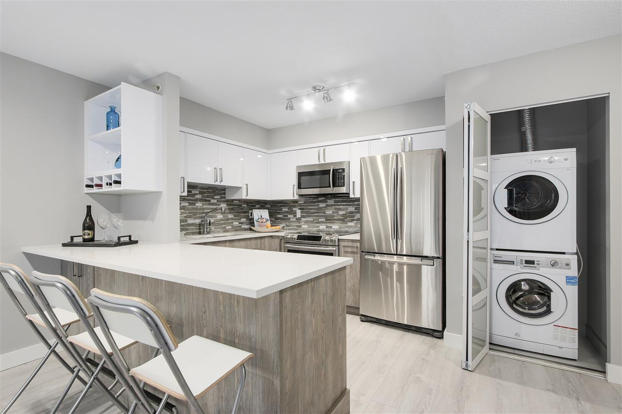 "Photo 7: 209 4868 FRASER Street in Vancouver: Fraser VE Condo for sale in ""FRASERVIEW TERRACE"" (Vancouver East)  : MLS(r) # R2149989"