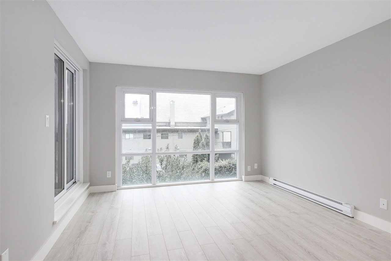 "Photo 8: 209 4868 FRASER Street in Vancouver: Fraser VE Condo for sale in ""FRASERVIEW TERRACE"" (Vancouver East)  : MLS(r) # R2149989"