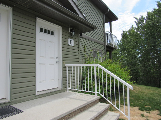 Main Photo: 16 - 30 Oak Vista Drive in St. Albert: 8-Plex for rent