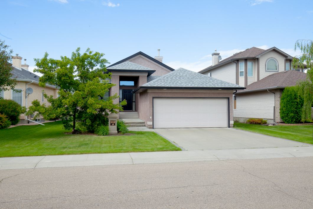 Main Photo: 939 PROCTOR Way in Edmonton: Zone 58 House for sale : MLS(r) # E4070502