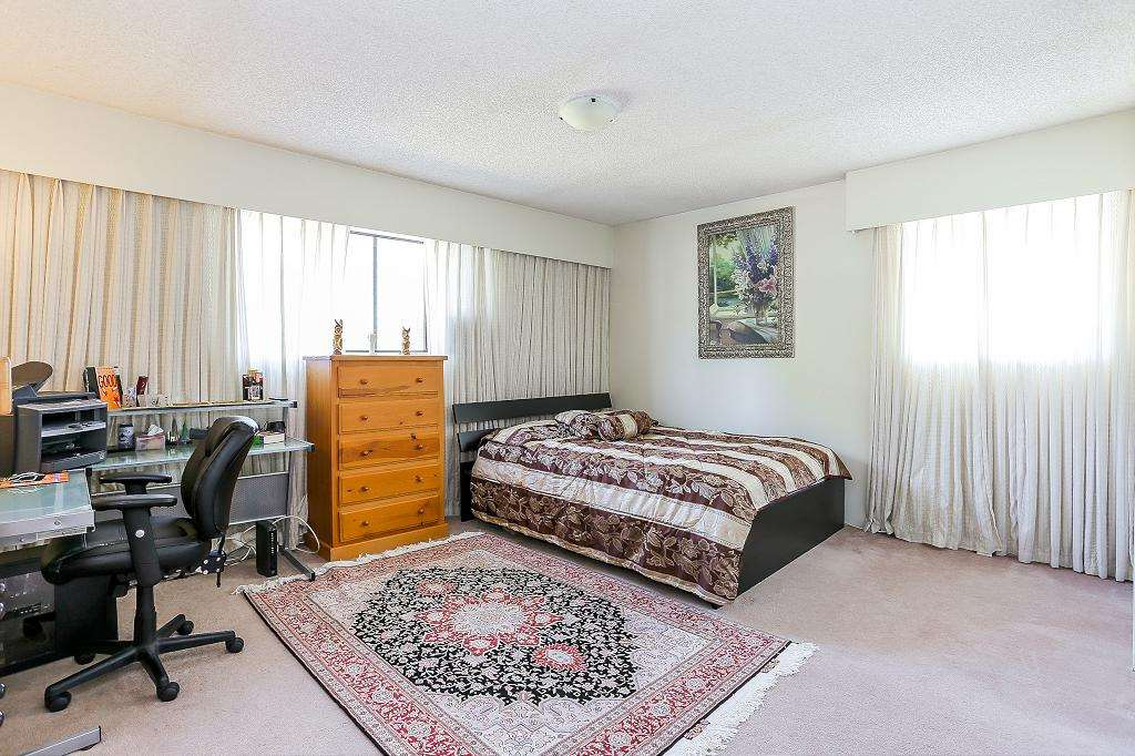Photo 10: 589 THOMPSON Avenue in Coquitlam: Coquitlam West House for sale : MLS® # R2184128