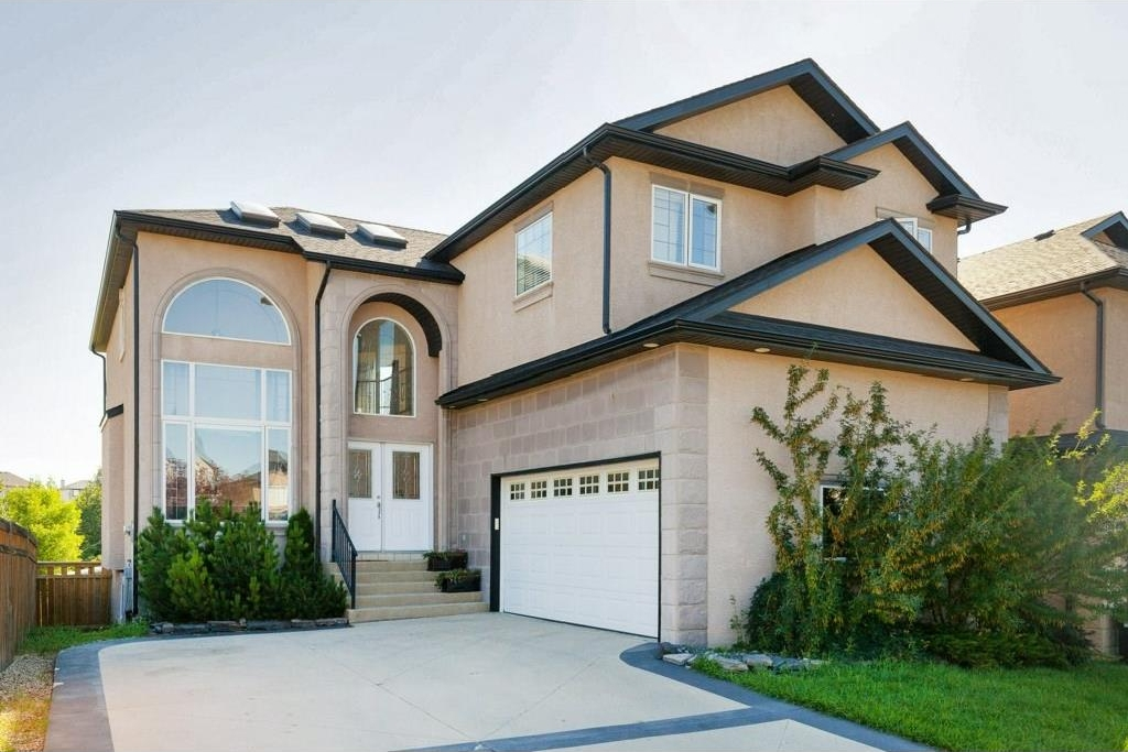 Main Photo: 11 ROYAL ABBEY Rise NW in Calgary: Royal Oak House for sale : MLS® # C4130540