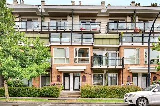 Main Photo: 2 728 W 14TH Street in North Vancouver: Hamilton Townhouse for sale : MLS® # R2196079