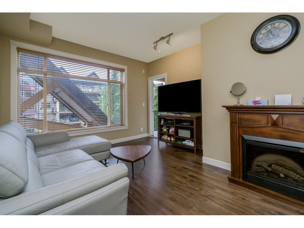 "Photo 4: 351 8328 207A Street in Langley: Willoughby Heights Condo for sale in ""YORKSON CREEK"" : MLS® # R2196542"