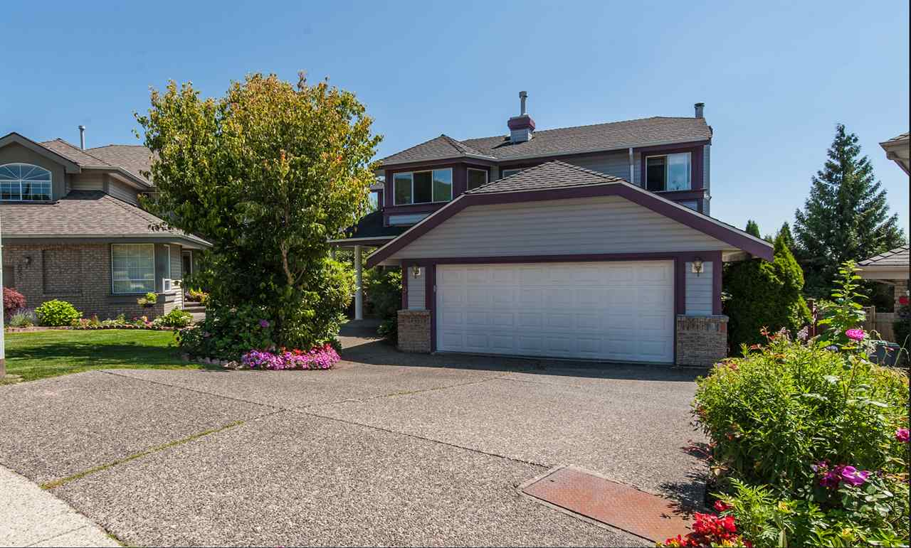 Main Photo: 1549 WINTERGREEN Place in Coquitlam: Westwood Plateau House for sale : MLS® # R2197933