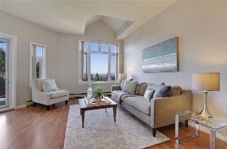 "Main Photo: 501 2800 CHESTERFIELD Avenue in North Vancouver: Upper Lonsdale Condo for sale in ""Somerset Green"" : MLS® # R2202259"