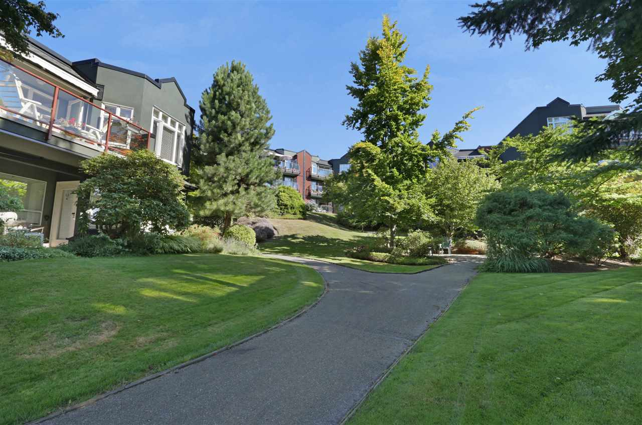 "Photo 16: 501 2800 CHESTERFIELD Avenue in North Vancouver: Upper Lonsdale Condo for sale in ""Somerset Green"" : MLS® # R2202259"