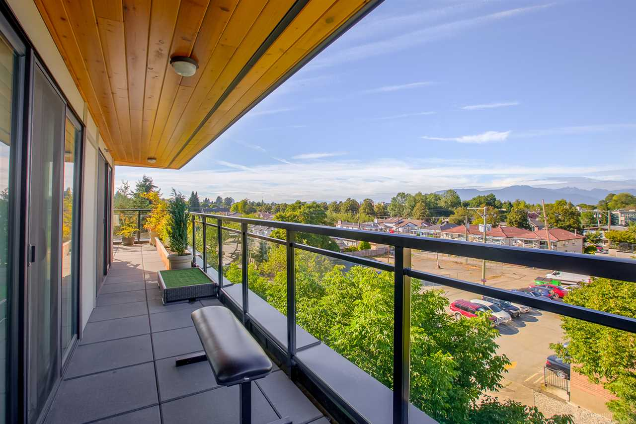 "Photo 4: 404 688 E 18TH Avenue in Vancouver: Fraser VE Condo for sale in ""GEM"" (Vancouver East)  : MLS® # R2205501"