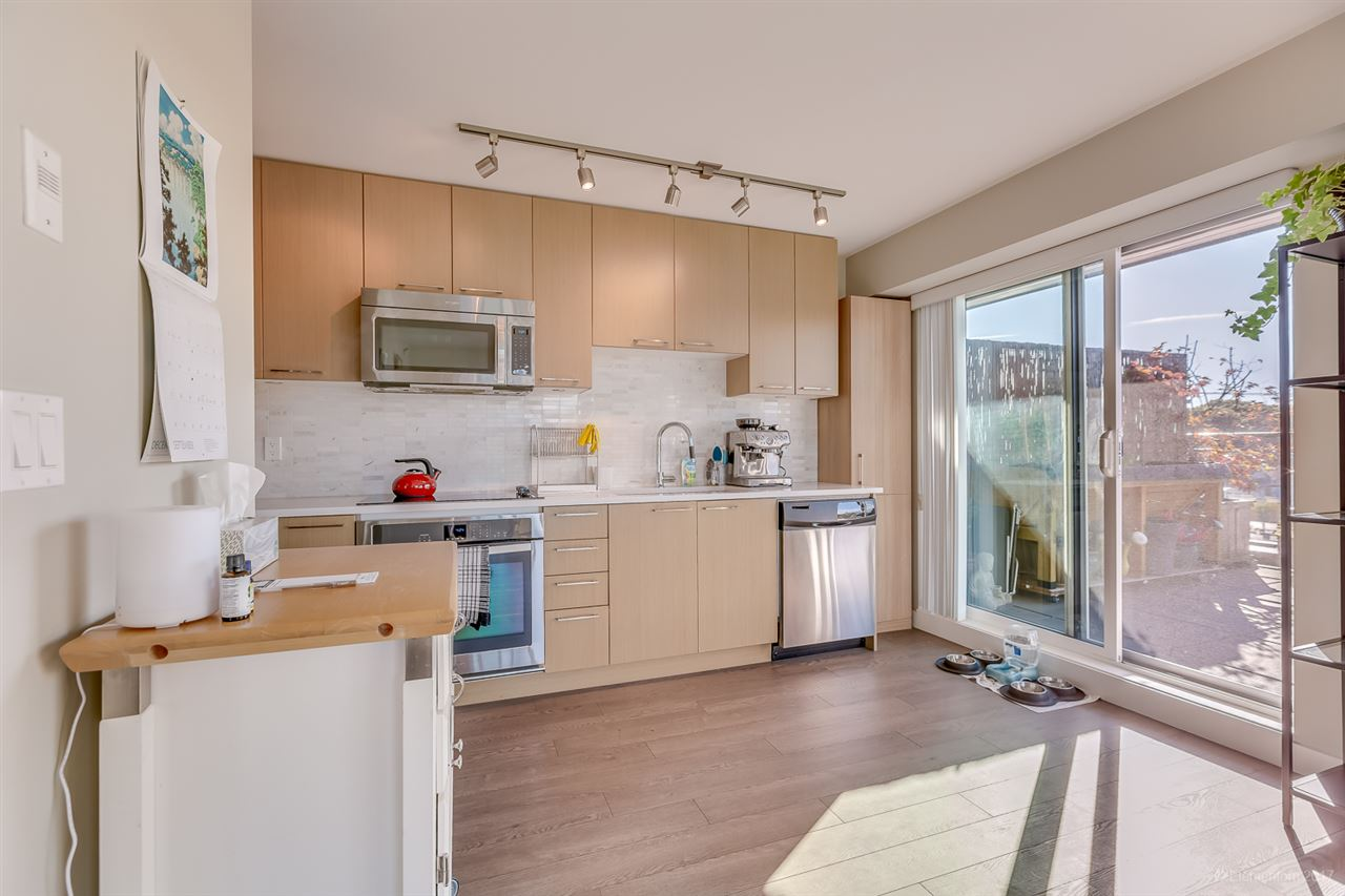 "Photo 10: 404 688 E 18TH Avenue in Vancouver: Fraser VE Condo for sale in ""GEM"" (Vancouver East)  : MLS® # R2205501"