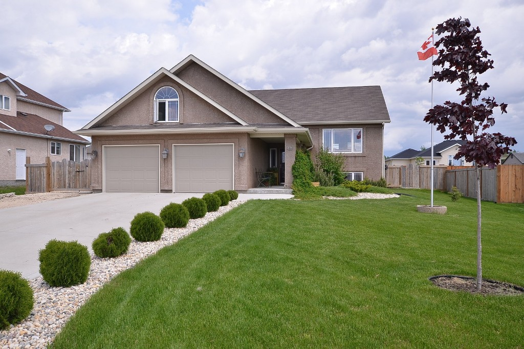 FABULOUS Custom Built 1726 sf 3+ Bedroom Two-Storey Split home (07), AT2 24x24 Garage, Amazing 24x24 Insulated & Heated Workshop with finished Loft area on low maintenance Landscaped 80x140 Lot in Town of Oakbank.