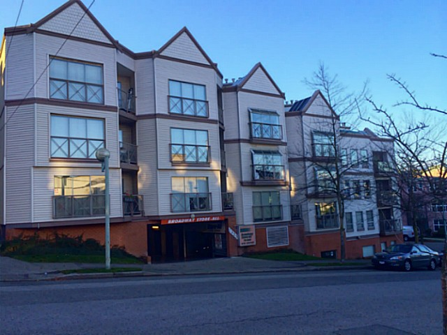 FEATURED LISTING: 108 - 910 8TH Avenue West Vancouver