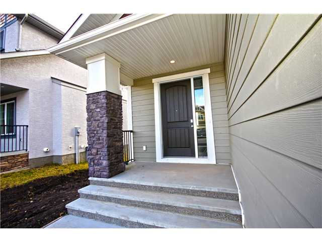 Photo 2: 6 RANCHERS Place: Okotoks Residential Detached Single Family for sale : MLS(r) # C3643043
