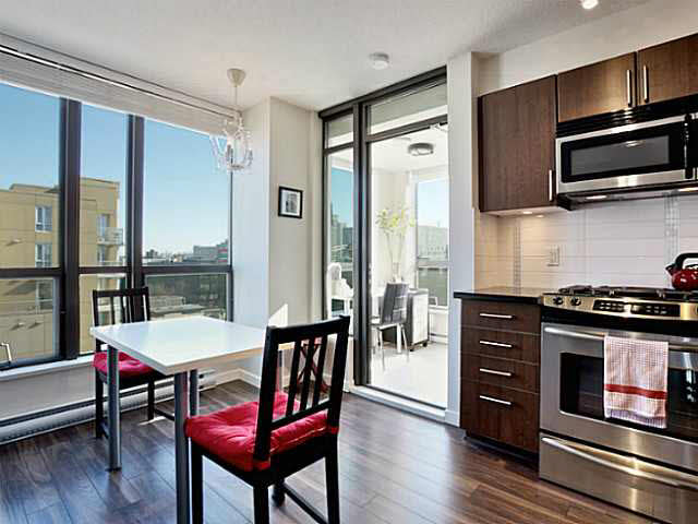 "Photo 6: 1101 1068 W BROADWAY in Vancouver: Fairview VW Condo for sale in ""THE ZONE"" (Vancouver West)  : MLS® # V1108181"