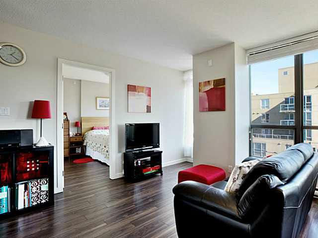 "Photo 11: 1101 1068 W BROADWAY in Vancouver: Fairview VW Condo for sale in ""THE ZONE"" (Vancouver West)  : MLS® # V1108181"