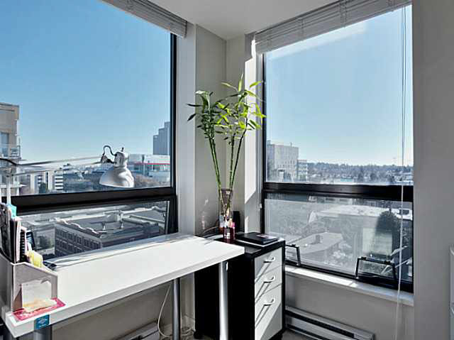 "Photo 8: 1101 1068 W BROADWAY in Vancouver: Fairview VW Condo for sale in ""THE ZONE"" (Vancouver West)  : MLS® # V1108181"