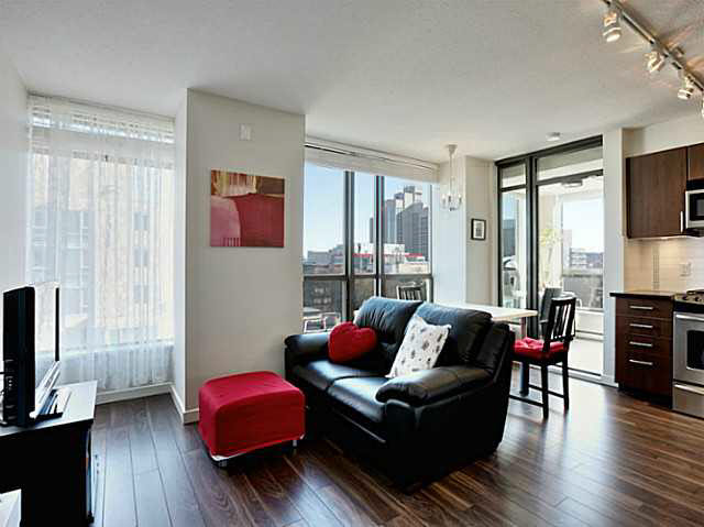 "Photo 10: 1101 1068 W BROADWAY in Vancouver: Fairview VW Condo for sale in ""THE ZONE"" (Vancouver West)  : MLS® # V1108181"