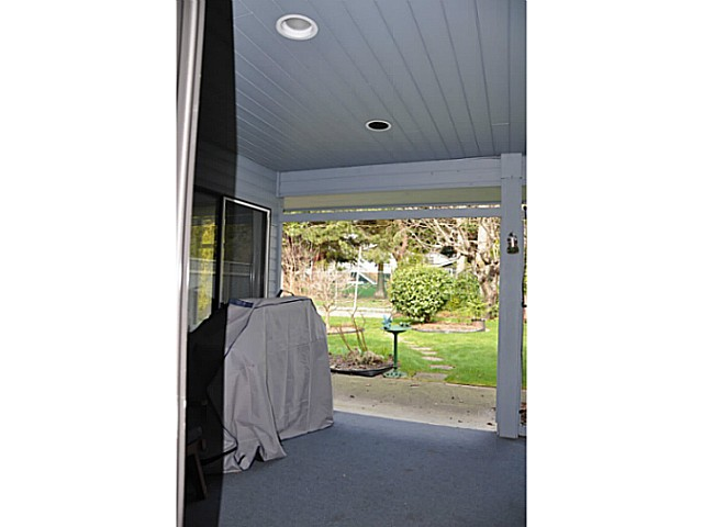 "Photo 20: 12541 21A Avenue in Surrey: Crescent Bch Ocean Pk. House for sale in ""OCEAN CLIFF ESTATES"" (South Surrey White Rock)  : MLS® # F1434041"