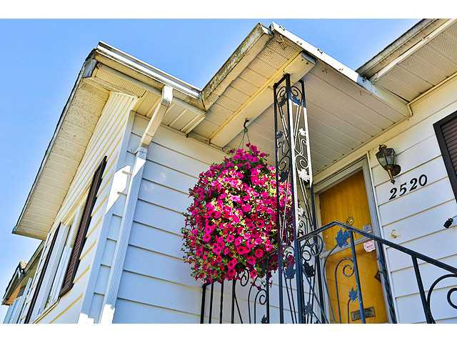 Main Photo: 2520 E 28TH Avenue in Vancouver: Collingwood VE House for sale (Vancouver East)  : MLS® # V1131801