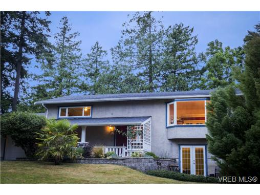Main Photo: 991 Abbey Road in VICTORIA: SE Cordova Bay Single Family Detached for sale (Saanich East)  : MLS® # 366863