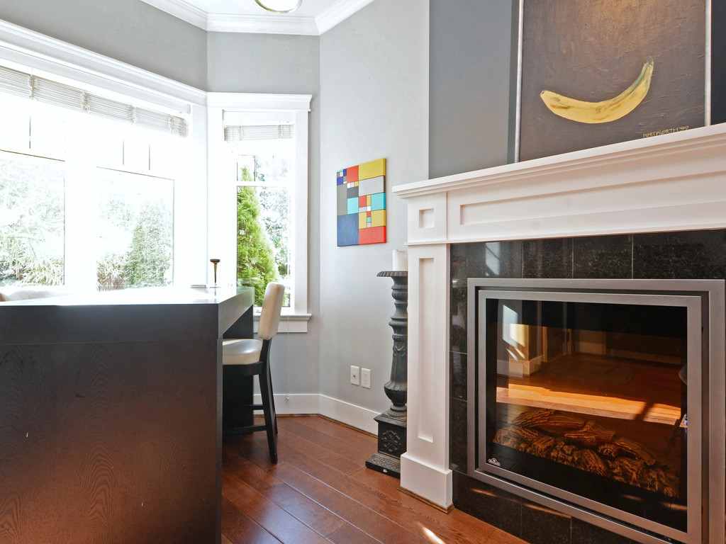 Photo 6: 9 675 Superior Street in VICTORIA: Vi James Bay Townhouse for sale (Victoria)  : MLS® # 368486