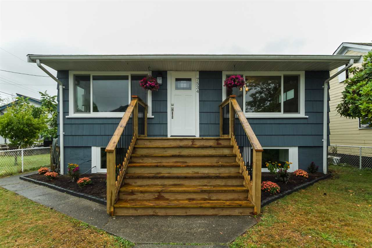 Main Photo: 7534 WELTON Street in Mission: Mission BC House for sale : MLS® # R2097275