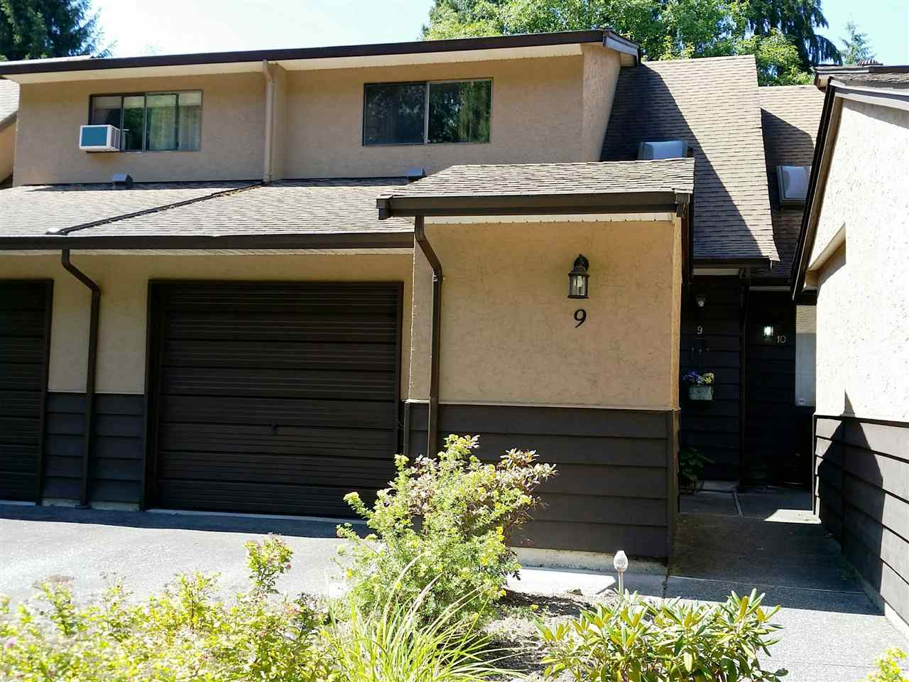 "Main Photo: 9 12227 SKILLEN Street in Maple Ridge: Northwest Maple Ridge Townhouse for sale in ""MCKINNEY CREEK"" : MLS® # R2098334"