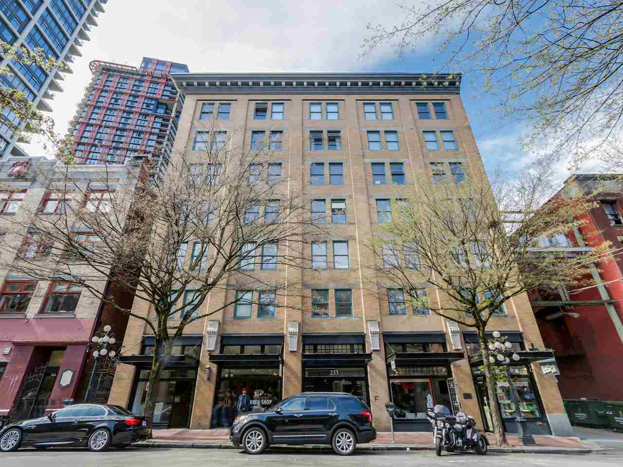 "Main Photo: 406 233 ABBOTT Street in Vancouver: Downtown VW Condo for sale in ""ABBOTT PLACE"" (Vancouver West)  : MLS®# R2112745"