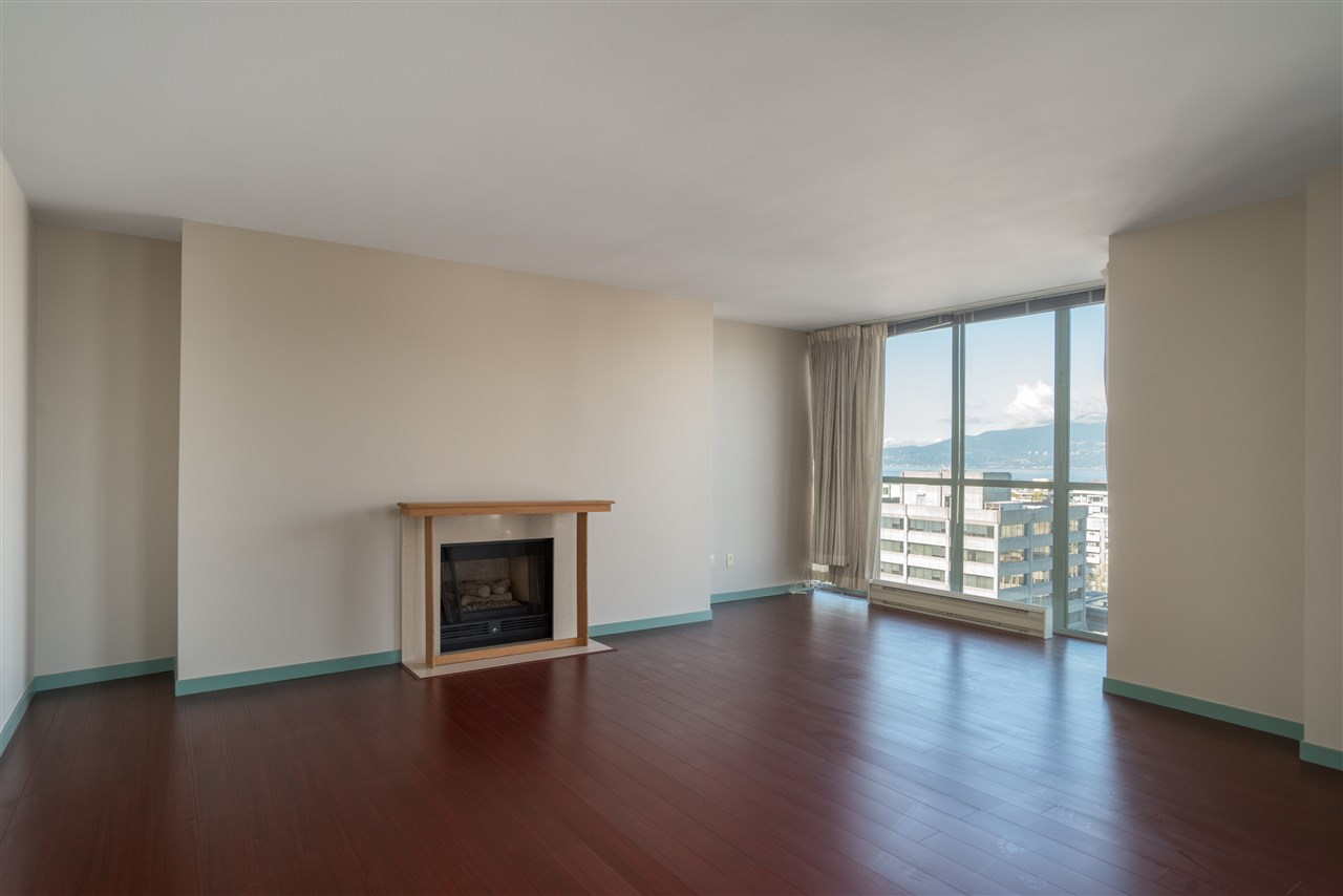 "Photo 6: 1101 1633 W 10TH Avenue in Vancouver: Fairview VW Condo for sale in ""HENNESSY HOUSE"" (Vancouver West)  : MLS(r) # R2132652"
