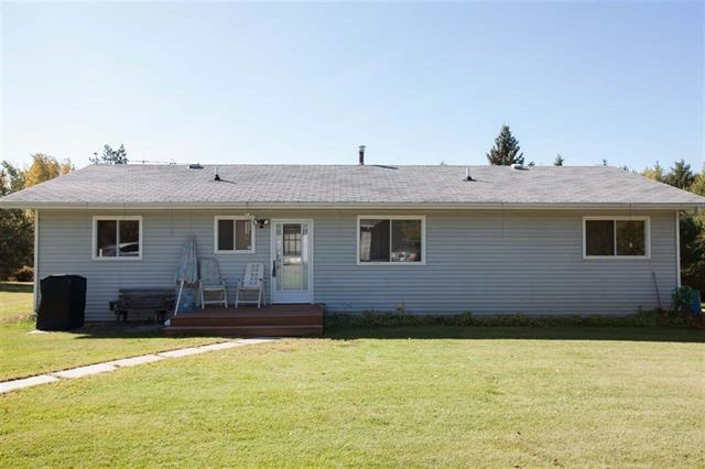 Photo 2: 23504 TWP 572: Rural Sturgeon County House for sale : MLS® # E4059118