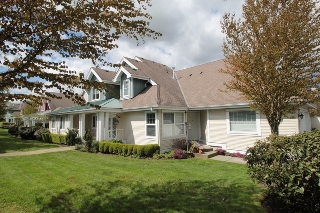 "Main Photo: 5 16995 64 Avenue in Surrey: Cloverdale BC Townhouse for sale in ""Lexington"" (Cloverdale)  : MLS(r) # R2159340"