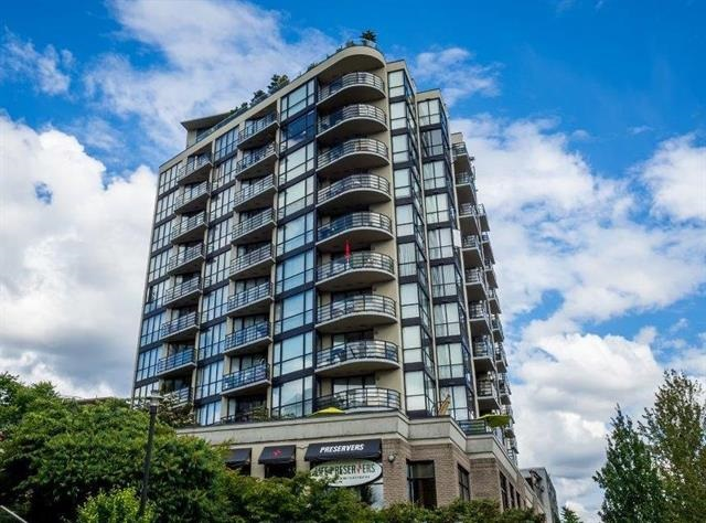 "Main Photo: 701 124 W 1ST Street in North Vancouver: Lower Lonsdale Condo for sale in ""THE ""Q"""" : MLS(r) # R2160332"