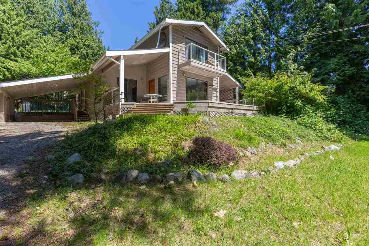 Photo 1: Photos: 8064 SOUTHWOOD Road in Halfmoon Bay: Halfmn Bay Secret Cv Redroofs House for sale (Sunshine Coast)  : MLS® # R2166775