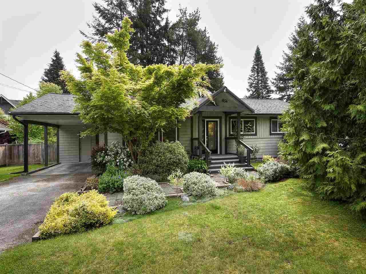 "Main Photo: 1654 58A Street in Delta: Beach Grove House for sale in ""BEACH GROVE"" (Tsawwassen)  : MLS(r) # R2170036"
