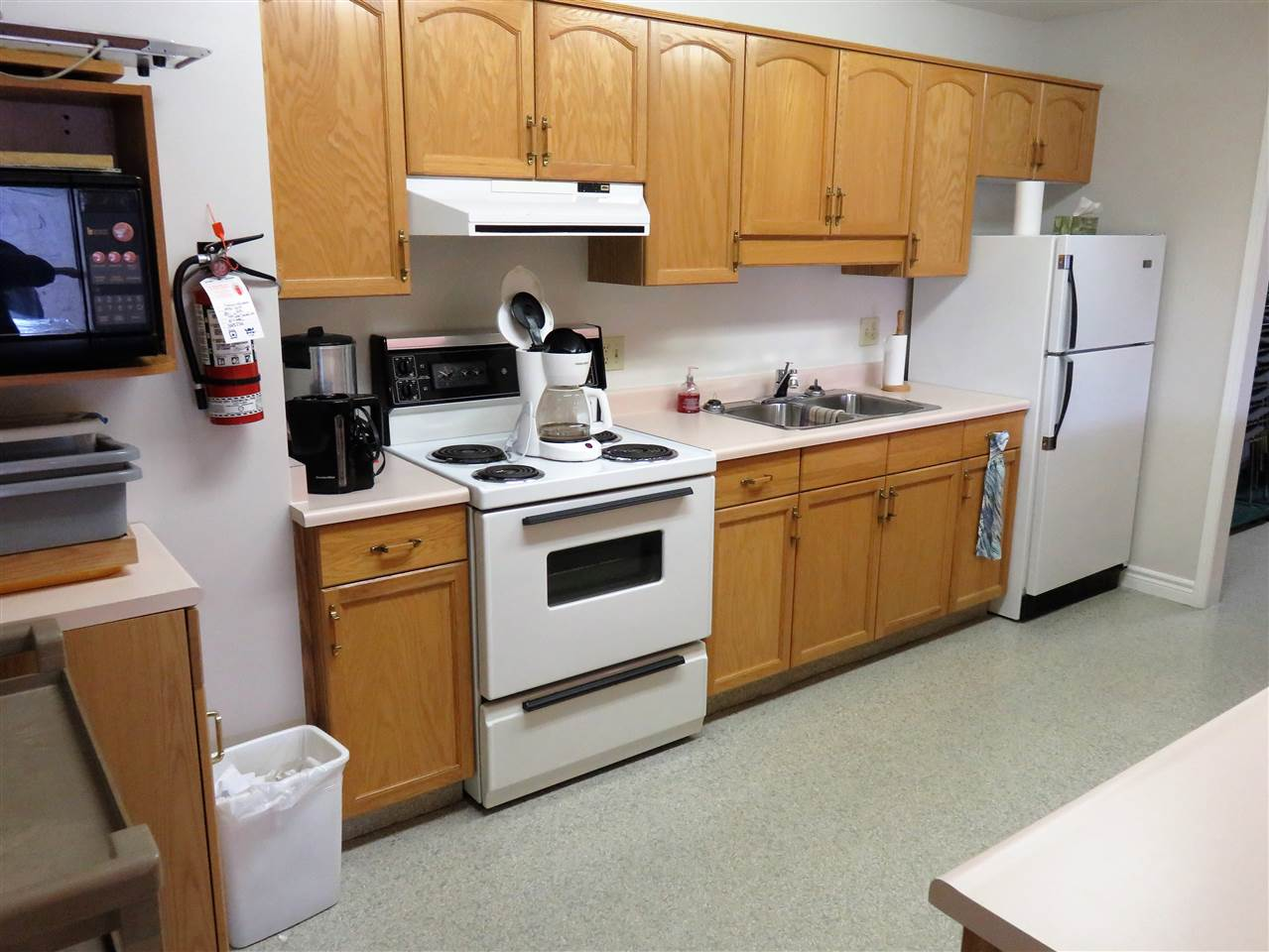 Here is the full kitchen for you to use! For a small fee & damage deposit! :)