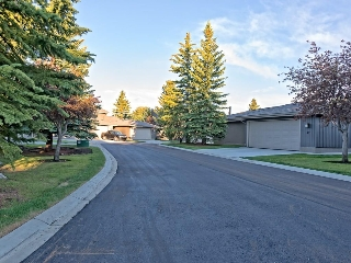Immaculate complex boasting new driveways, walkways and roadways.