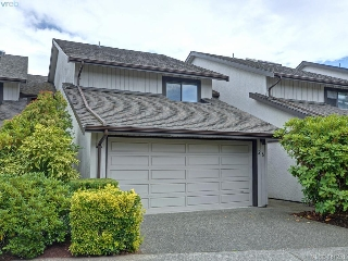 Main Photo: 26 10457 Resthaven Drive in SIDNEY: Si Sidney North-East Townhouse for sale (Sidney)  : MLS® # 381251