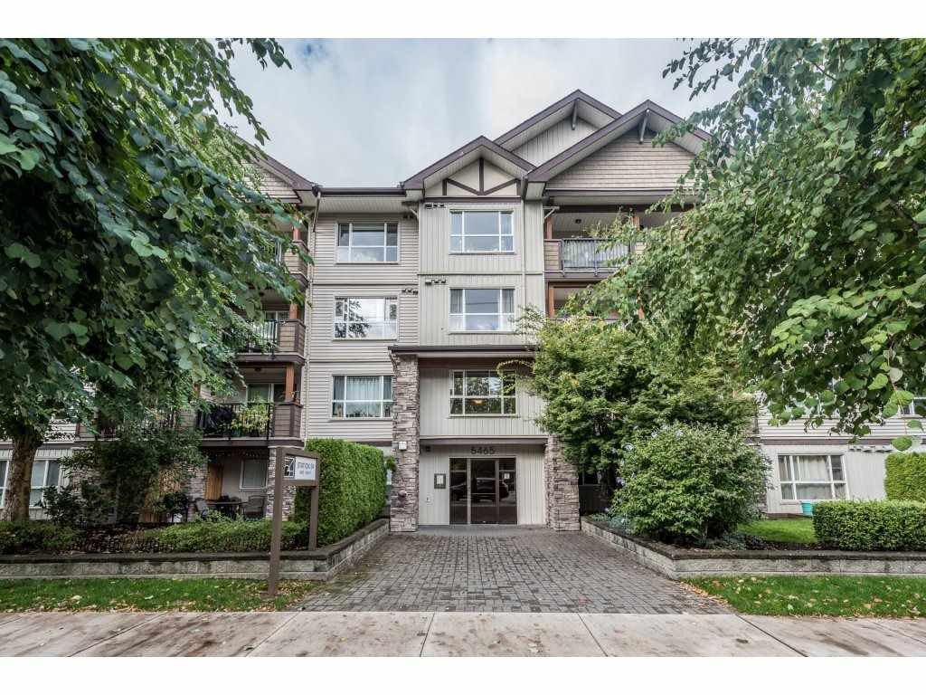 Main Photo: 313 5465 203 STREET in Langley: Langley City Condo for sale : MLS® # R2206615