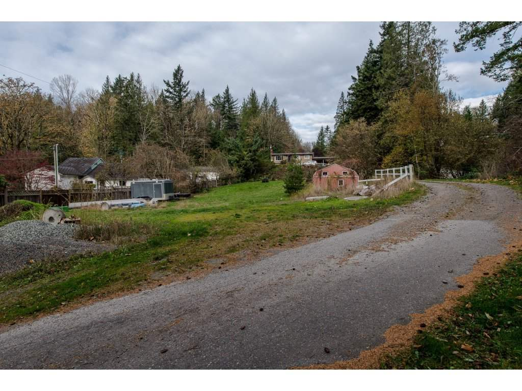 Photo 2: Photos: 37471 ATKINSON Road in Abbotsford: Sumas Mountain House for sale : MLS® # R2220193