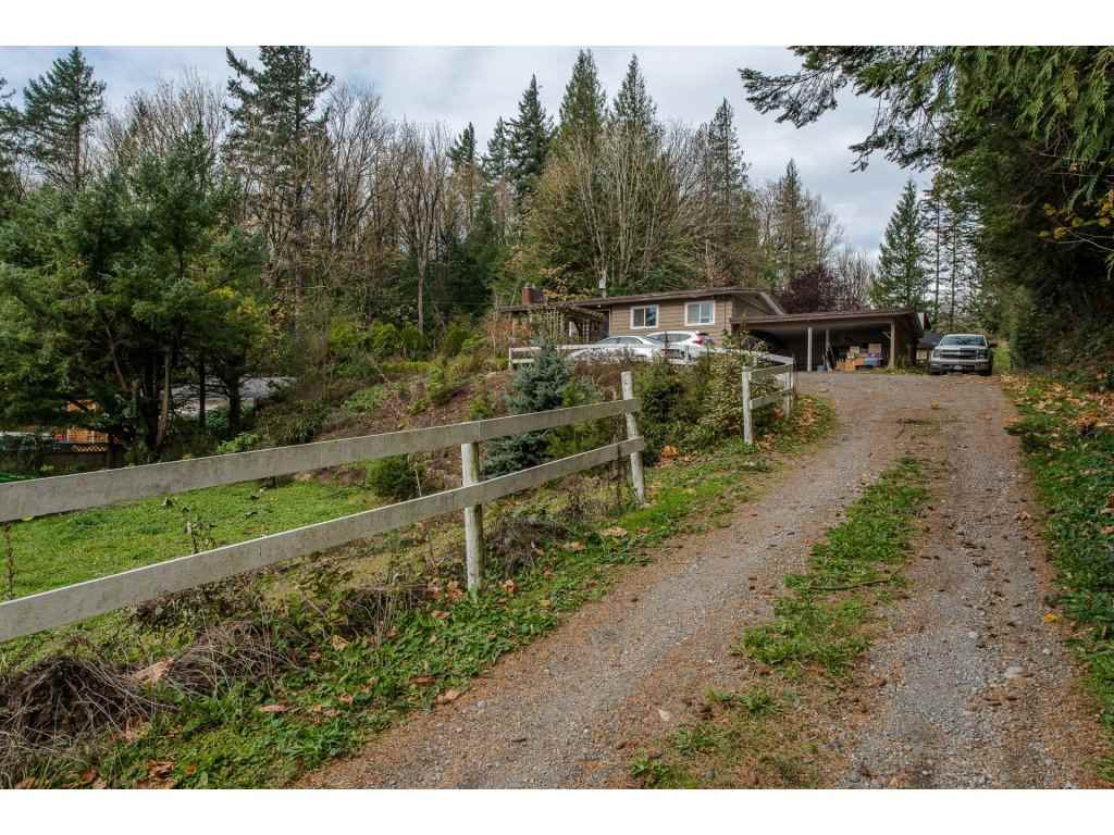 Photo 4: Photos: 37471 ATKINSON Road in Abbotsford: Sumas Mountain House for sale : MLS® # R2220193