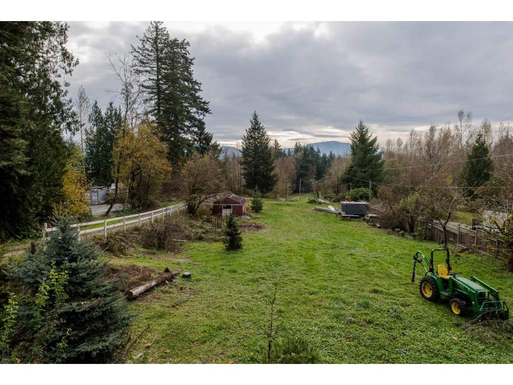 Photo 3: Photos: 37471 ATKINSON Road in Abbotsford: Sumas Mountain House for sale : MLS® # R2220193