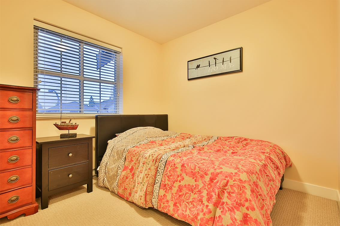 "Photo 10: Photos: 9 9525 204 Street in Langley: Walnut Grove Townhouse for sale in ""TIME"" : MLS® # R2233407"