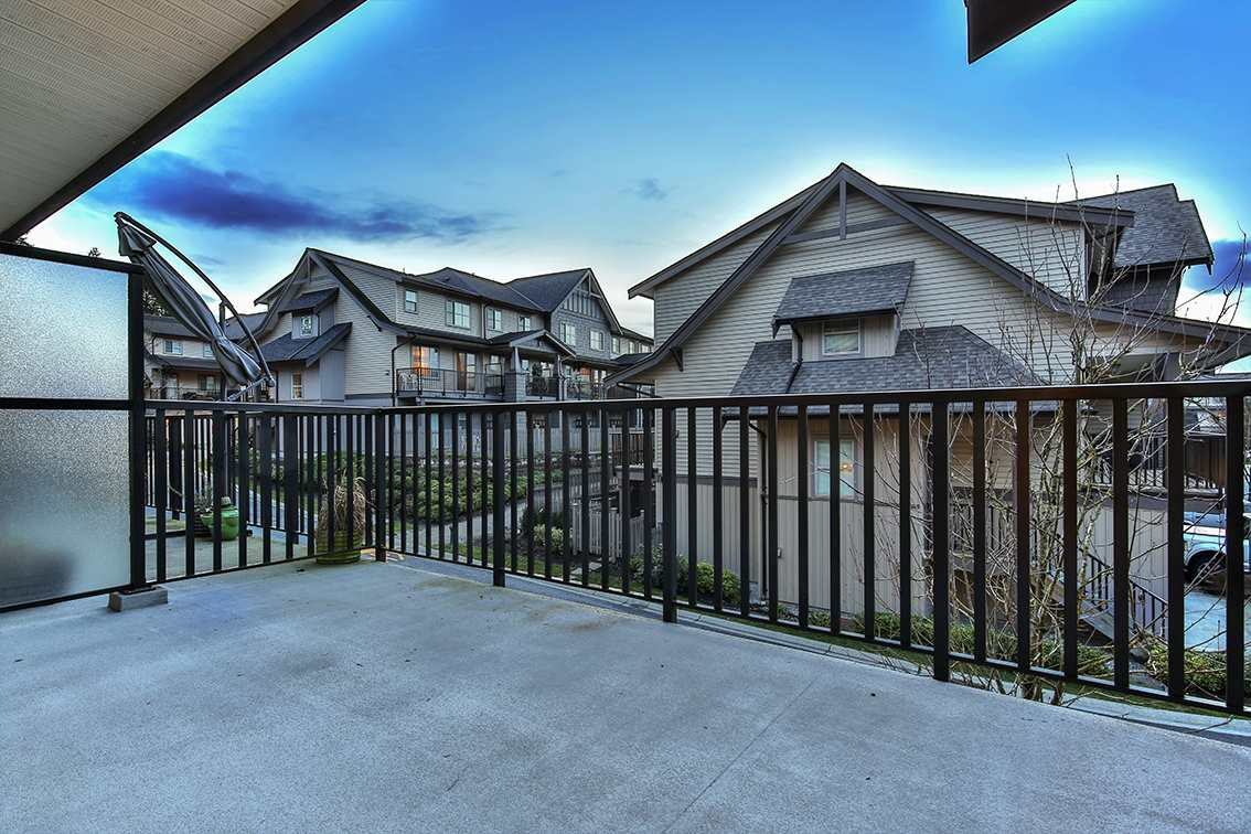 "Photo 13: Photos: 9 9525 204 Street in Langley: Walnut Grove Townhouse for sale in ""TIME"" : MLS® # R2233407"