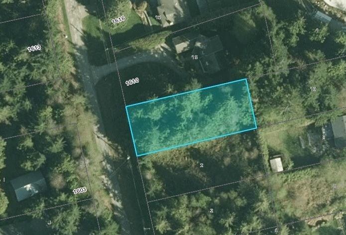 "Photo 1: Photos: LOT 1 GRANDVIEW Road in Gibsons: Gibsons & Area Home for sale in ""BONNIEBROOK"" (Sunshine Coast)  : MLS®# R2239418"