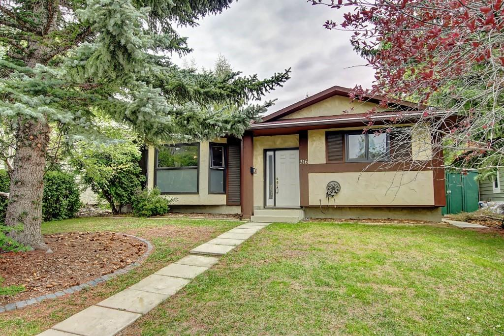 FEATURED LISTING: 316 SILVER HILL Way Northwest Calgary