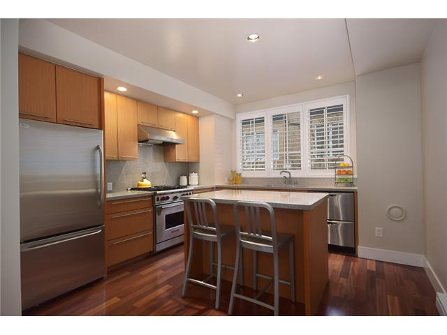 Photo 2: 928 W 13TH Avenue in Vancouver: Fairview VW Townhouse for sale (Vancouver West)  : MLS® # V1051000