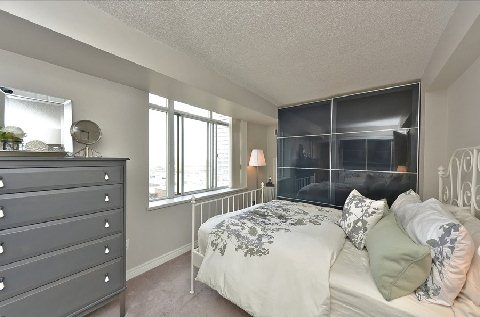 Photo 2: 06 70 Mill Street in Toronto: Waterfront Communities C8 Condo for sale (Toronto C08)  : MLS® # C2919326