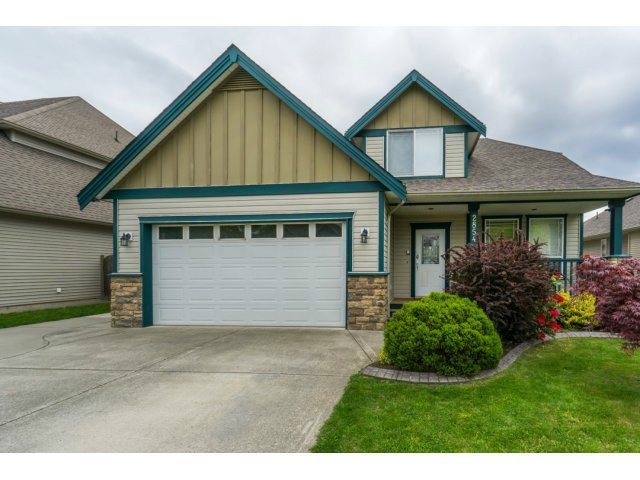 "Main Photo: 2854 SHUTTLE Street in Abbotsford: Aberdeen House for sale in ""Station / West Abby"" : MLS® # F1440509"